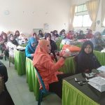Guru MAN 1 Pidie Mengikuti Pelatihan Dengan Tema Penerapan Pembelajaran Yang Menarik